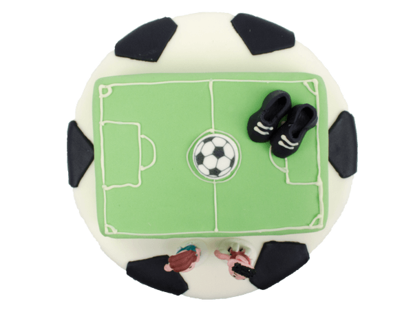 Voetbal taart met voetbalschoenen